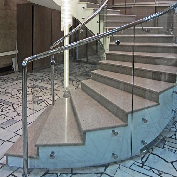 Стеклянные перила длязабежных лестниц