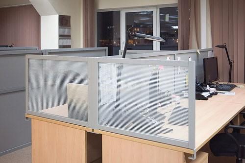экраны офисные настольные