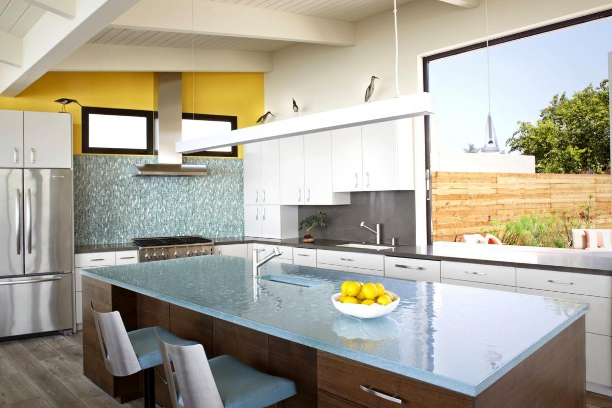 стеклянная кухонная столешница