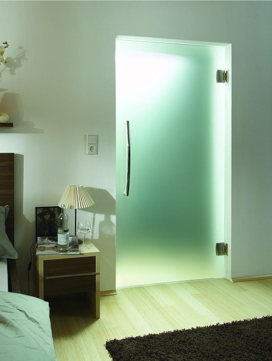 Маятниковая стеклянная дверь межкомнатная одностворчатая