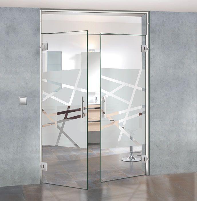 маятниковые стеклянные двери с дизайном