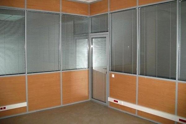 офисные перегородки из стекла и лдсп