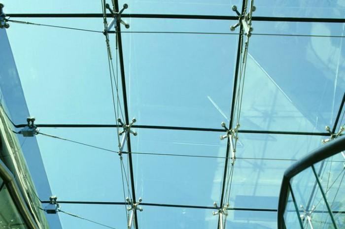 Спайдерное остекление крыши