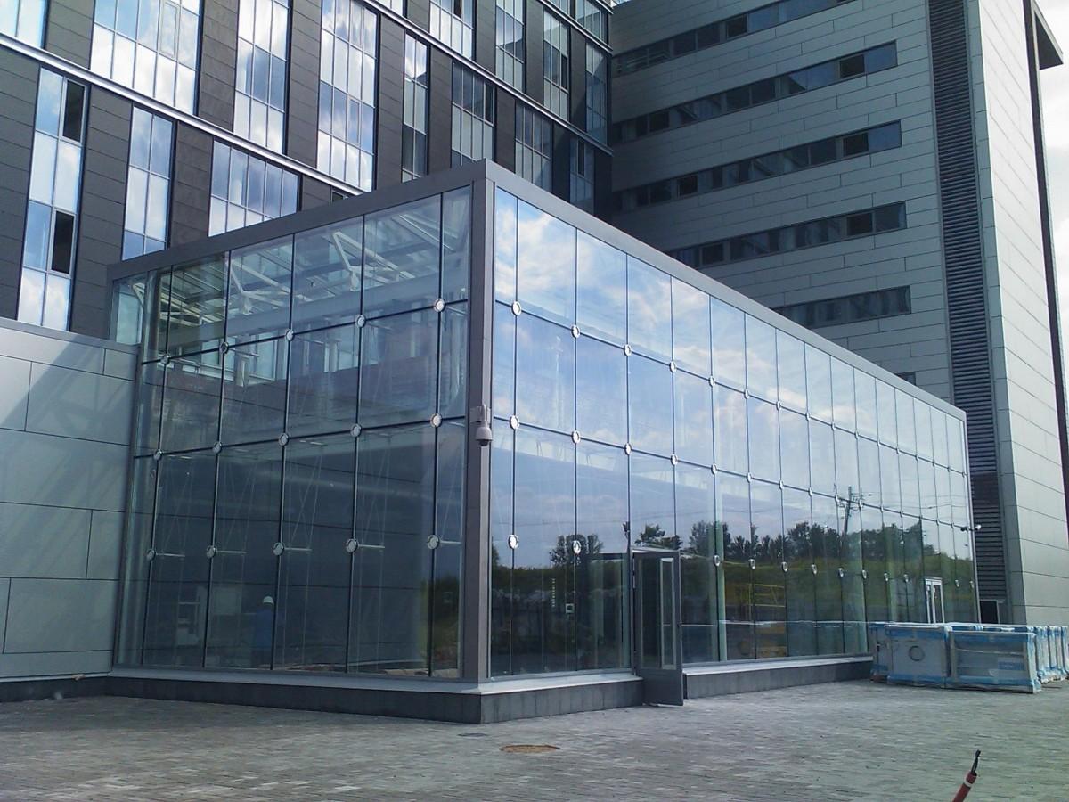 Панорамное остекление фасада здания