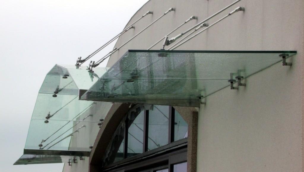 Триплекс стеклянный козырек