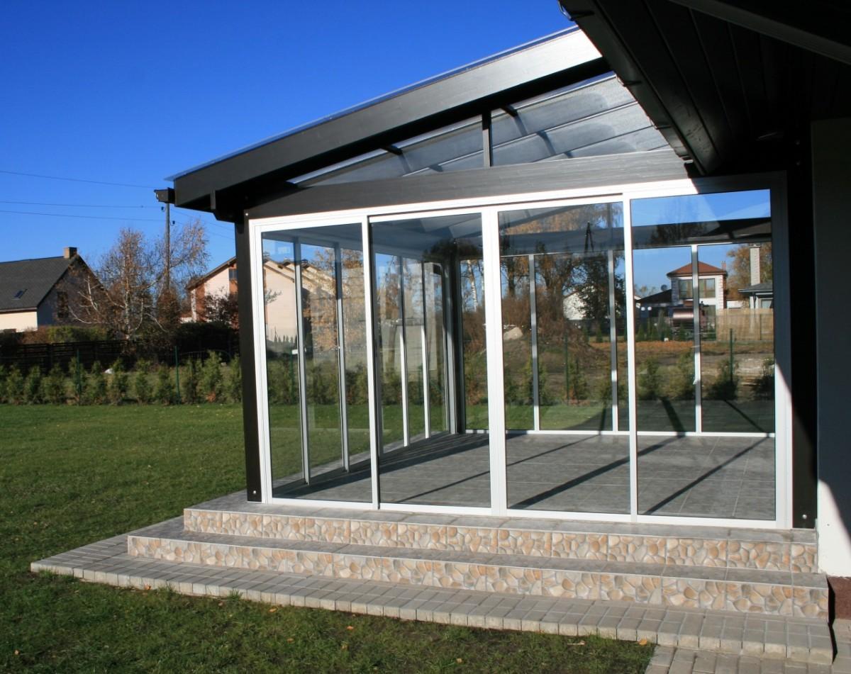 Остекление для террасы со стеклянной крышей