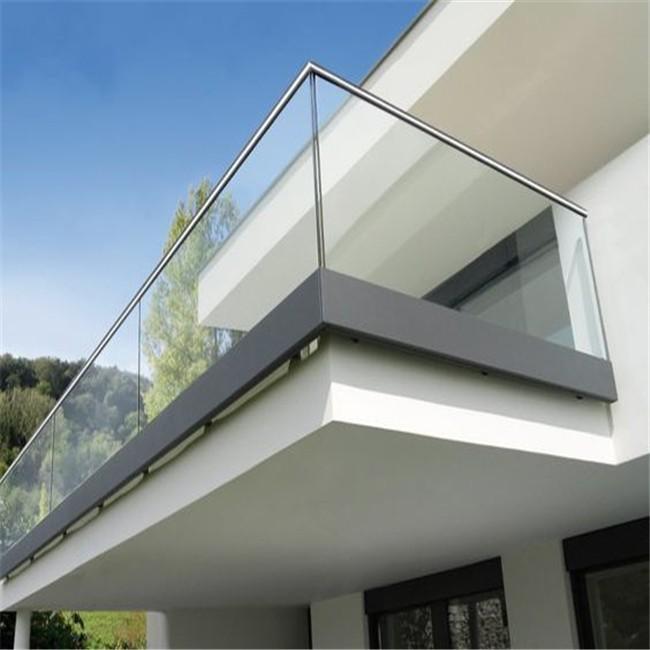 стеклянное ограждение балкона и лоджии