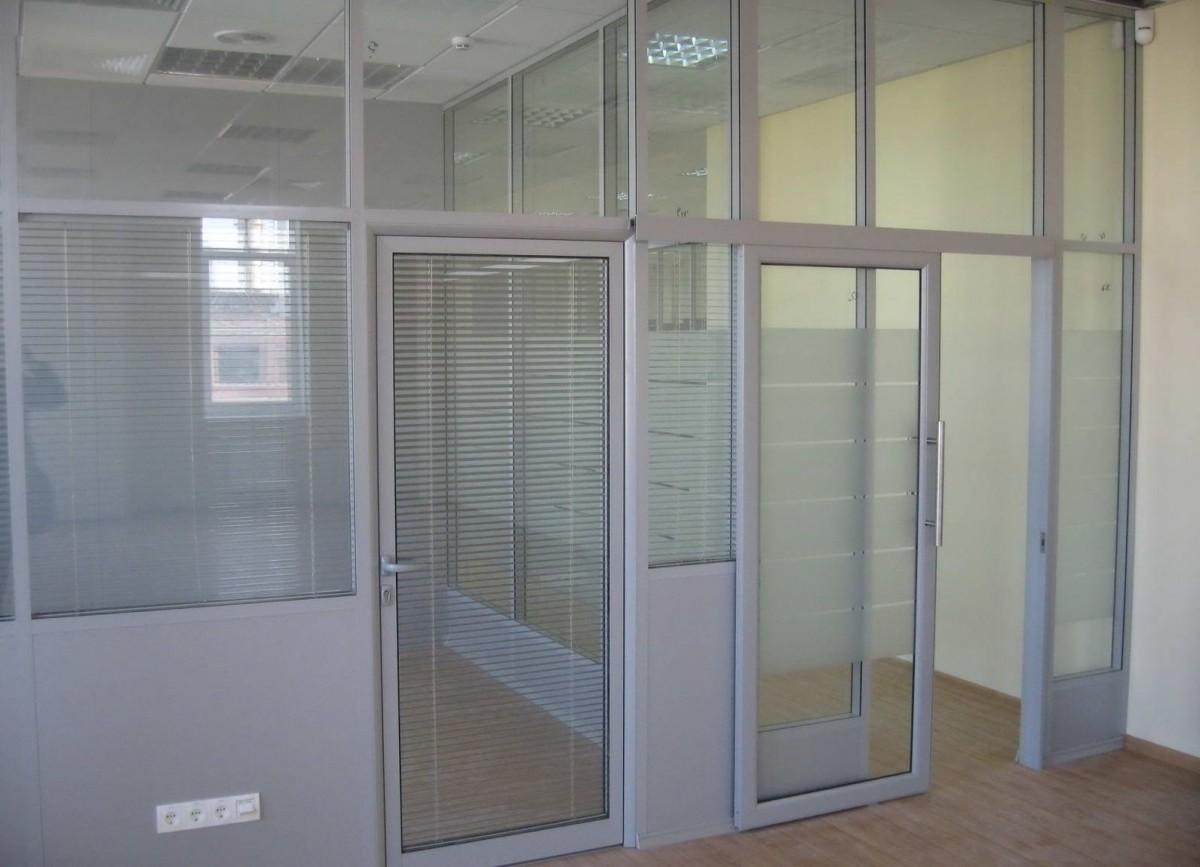 алюминиевые внутренние двери со стеклом