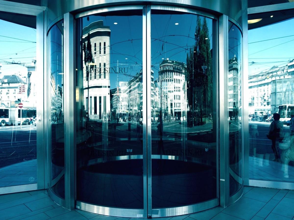 Карусельные (турникетные, револьверные) алюминиевые двери