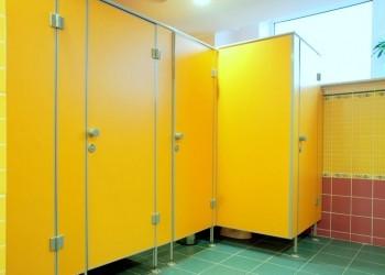 сантехнические перегородки и туалетные кабины