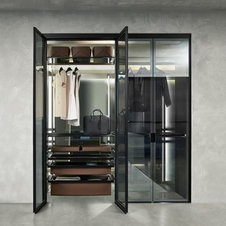 со стеклянными дверями