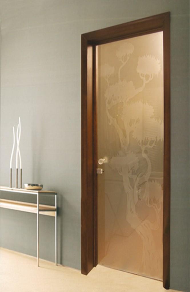 бронзовые стеклянные двери в комнату