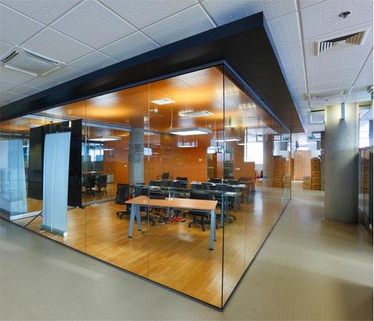 Офисные стеклянныеперегородки